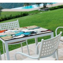 Table en pierre de lave avec chaises Friends Saint Raphael